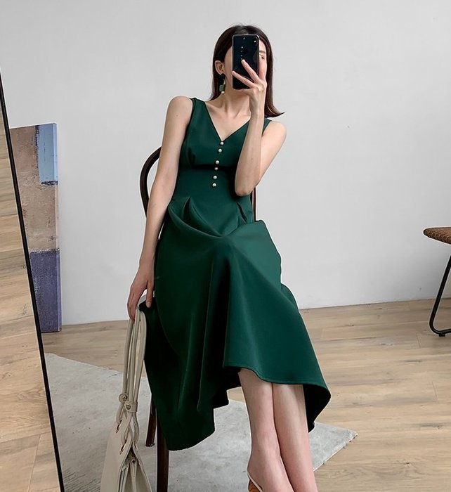 【C Select Shop】質感墨綠色 前後兩穿V領洋裝  中長款連衣裙 連身裙 背心裙 韓國歐美 設計款