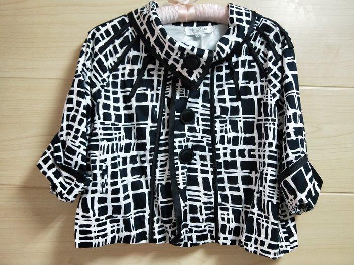 丹丹衣坊--歐款黑白格紋小外套
