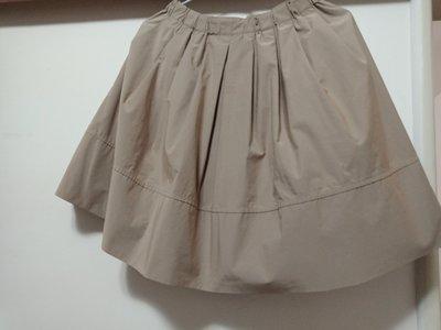 駝色短群裙 腰鬆緊帶
