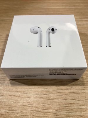 AirPods with Wireless Charging Case配備無線充電盒