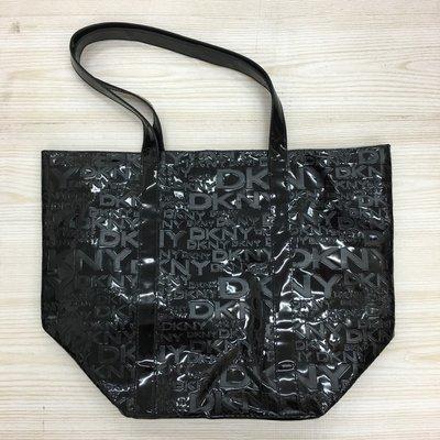 【愛莎&嵐】DKNY 黑色漆皮托特包 1070810