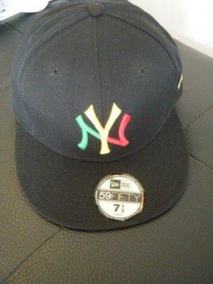 近全新少見MLB洋基隊基特&王建民電繡黑底金牙買加配色棒球帽超棒超正超夯款超級好搭