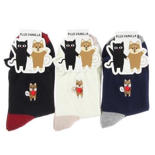 日本 Plus Vanilla 微笑柴犬 立體球球 雙色接拼襪