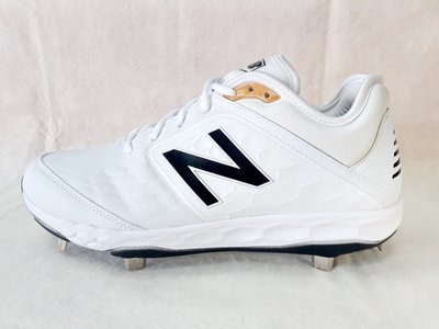 =福林棒壘=New Balance棒球釘鞋 - 白色