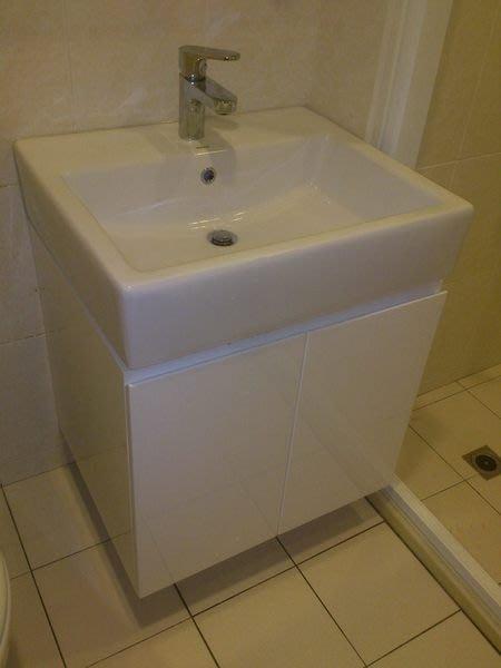 TOTO LW711RCB臉盆+浴櫃+龍頭TLS03301PA 含施工 長60CM  寬50CM