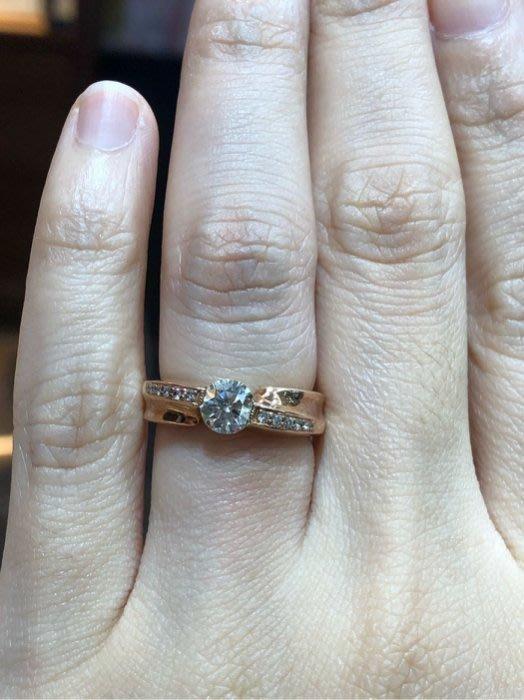 總重77分天然鑽石戒指,八心八箭完美車工,搭配雙色玫瑰金,戒台厚實,主鑽67分,超值出清價59800