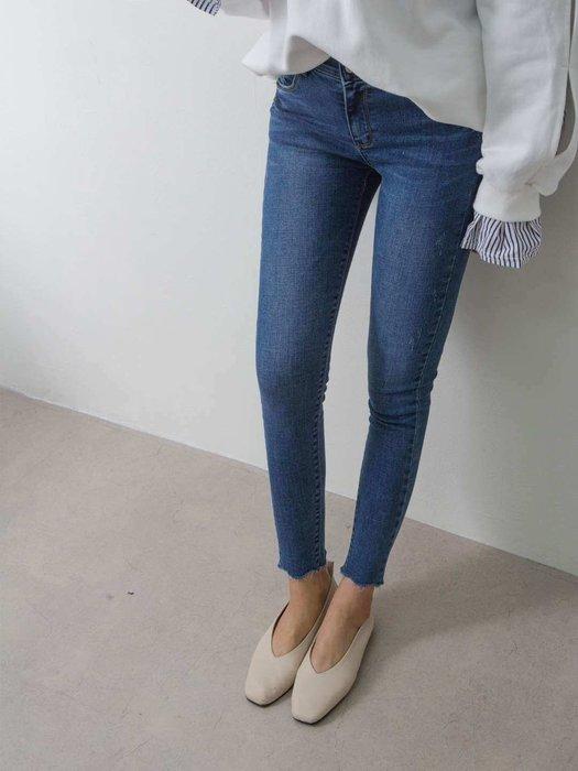 韓國 官網 熱賣款基本實搭必備款 彈性腰圍面料激瘦刷色牛仔褲貼腿小腳九分褲 單一色 1380 預購 S~XL