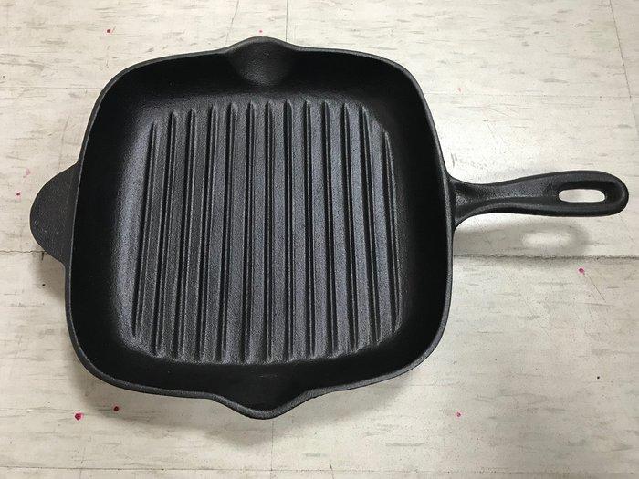 【無敵餐具】方型鑄鐵牛排煎盤/煎鍋(26x26cm)整支鑄鐵耐油耐高溫【SH0030】