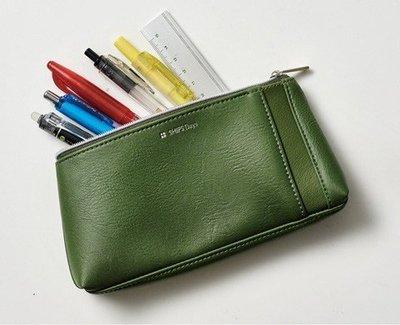 [瑞絲小舖]~日雜Mono Max附錄Ships Days橄欖綠皮革收納包 小物包 手拿包 手機包 筆袋