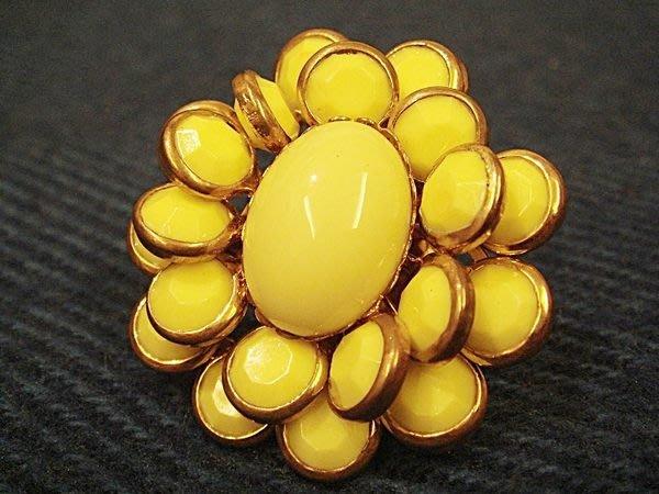 美國帶回,全新從未戴過 21 twentyone 鮮黃花朵造型戒指,低價起標無底價!本商品免運費!