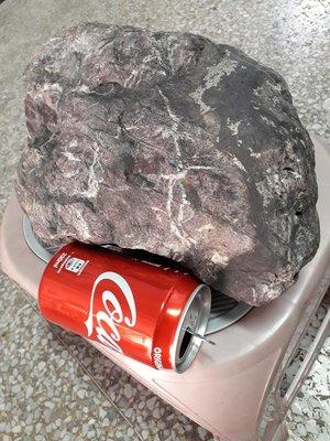 紅石,約9.2公斤,磁鐵可吸附