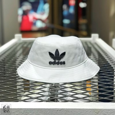 9030afca783 (D.S) adidas originals Bucket Hat 全白黑三葉草漁夫帽電繡刺繡