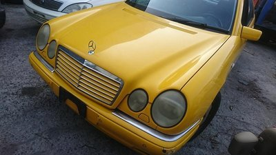 Mercedes-Benz W210 Avantgarde 天窗 HID 零件車