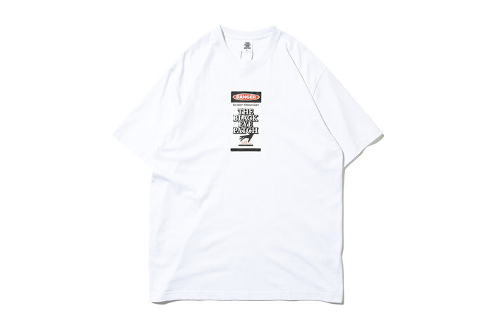 "[ LAB Taipei ] BlackEyePatch ""DAGER HOT LABEL TEE"" (White)"