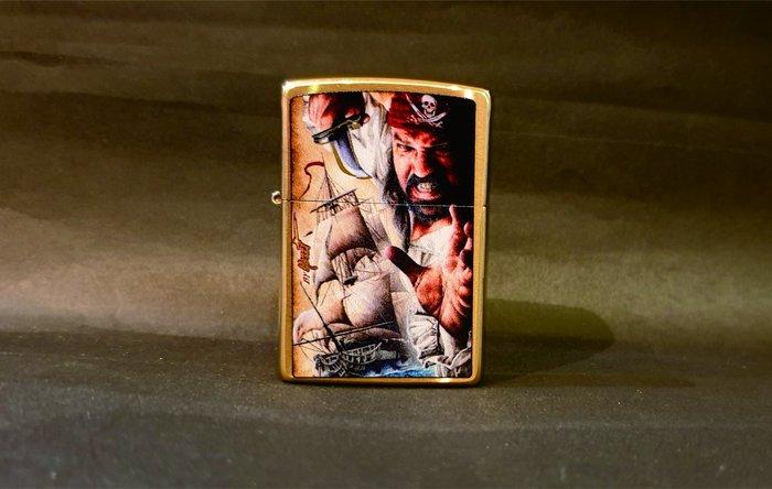 ONE*$1~*美系*ZIPPO*By Nazzi*噴槍美術家『海盜船』黃銅拉絲/彩繪*編號:29781