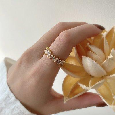 小何 ~戒指女時尚個性輕奢網紅可調節高級感排鉆開口小眾設計感復古食指