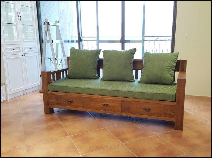 簡約風 柚木製三人坐沙發椅休閒椅 綠色椅墊三抽屜收納椅 100%原木全實木靠背椅客廳椅組另有兩人座單人沙發【歐舍家飾】