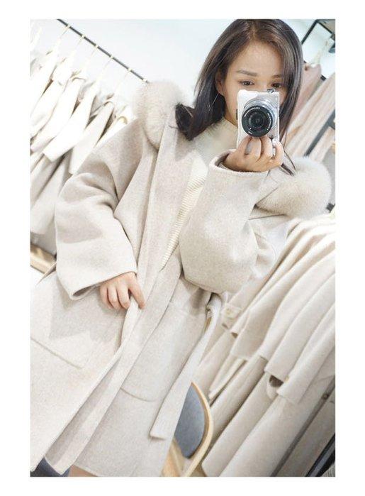 Modem Girl♥100%實拍 正韓 超美的~高級質感大衣 超大貂毛毛領 100%羊駝手工大衣 (特價) 2色