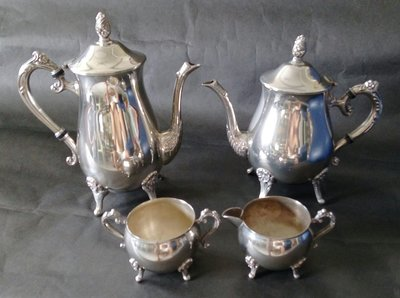 119英國貴族家庭鍍銀壺組Antique Silver Plate Tea Pot set