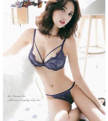 轉售Qmomo高人氣熱賣款,裸漾夜巴黎W鋼圈W Plus 爆乳成套內衣(藍) 極致性感誘惑 舒適爆乳款70F
