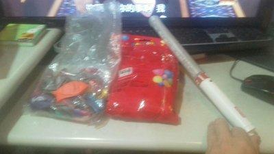 兩包氣球 跟一隻李榮浩的螢光棒 一起便宜賣優惠超商取貨免運費 總共3件