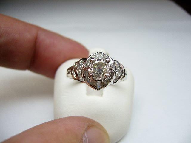 [吉宏精品交流中心]56分 南非天然鑽石 白K金 造型 戒指