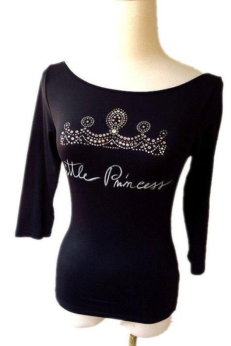 *Beauty*BLUEGIRL黑色七分袖皇冠水鑽T恤4990元 GR