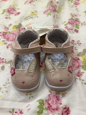 美國最大嬰幼兒品牌 Carter's Every Step鞋款 僅有一雙 全新 尺寸美規4 最適合寶貝每天穿喔!