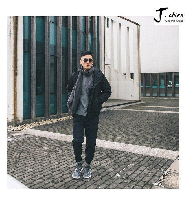 J.chien ~[全館免運]冬季男士短款黑色連帽棉質夾克 加厚保暖外套 大尺碼 夾克 外套
