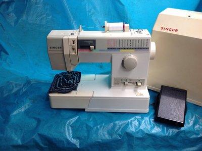 家庭用縫紉機二手勝家SINGER 9112型 .拼布 、學生、家用兩皆宜~(保固半年)