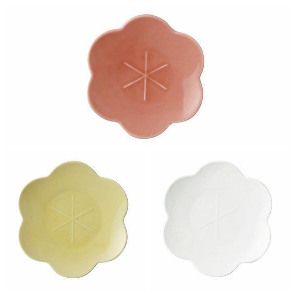 日本陶瓷【小田陶器】黃梅盤17cm 3色可選 花卉瓷盤 日本餐盤 小菜盤 蛋糕盤 水果盤 骨瓷質感 花草素瓷盤
