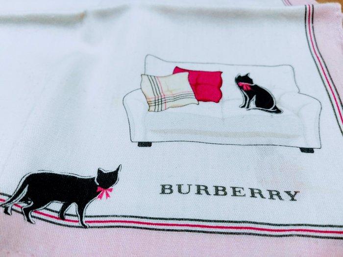 【絕版品】BURBERRY 慵懶貓咪 時尚仕女手帕 (粉紅色) (有一點污漬,不介意再買)