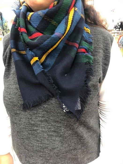 法國製 舒服親膚 大三角圍巾