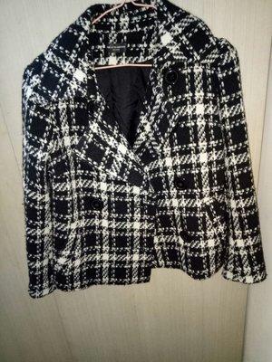 專櫃ONE AFTER ANOTHER黑白色短版外套肩15胸17長22袖22袋(櫃床花414)