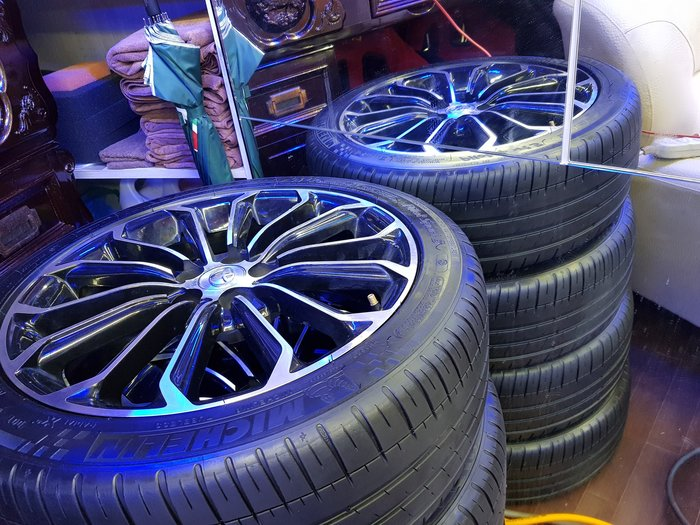 TOYOTA 17吋鋁圈  5/100 ALTIS 鋁圈  17吋輪胎 With  215/45/17 米其林