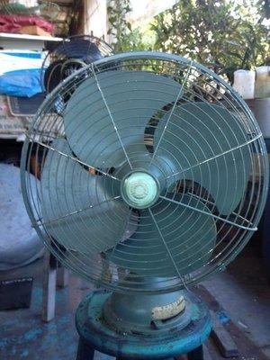 大同 早期平頭古董電風扇(深綠)
