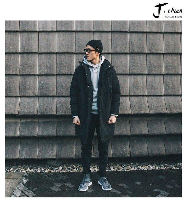J.chien ~[全館免運]冬季男士歐美街頭簡約純黑色中長款棉外套 保暖連帽棉服外套 外套 防風外套