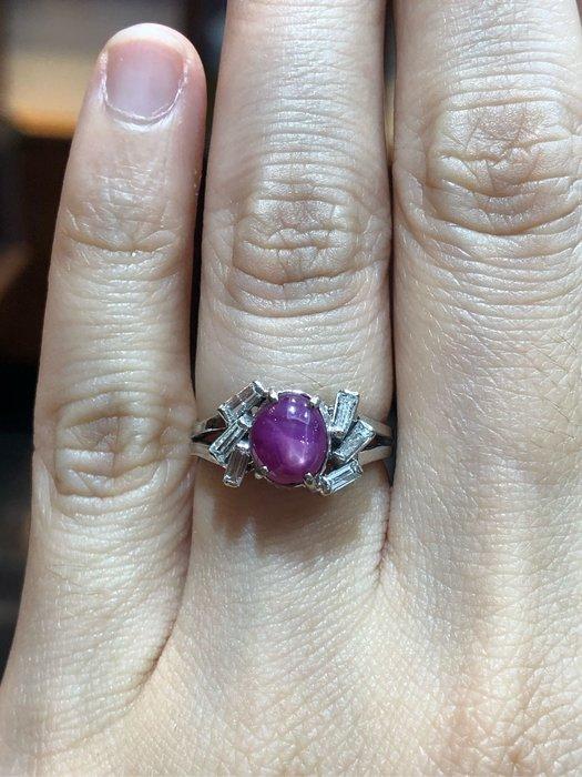 70分天然蛋面星石紅寶石鑽石戒指,厚金戒台,超值優惠現金出清價16800,只有一個要買要快,獨特紅寶石像貓眼石一樣會閃亮
