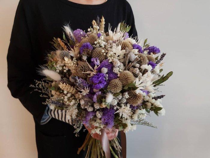 D40。紫白色系乾燥捧花。拍照捧花。客製新娘捧花。台北自取【Flower&House花藝之家】