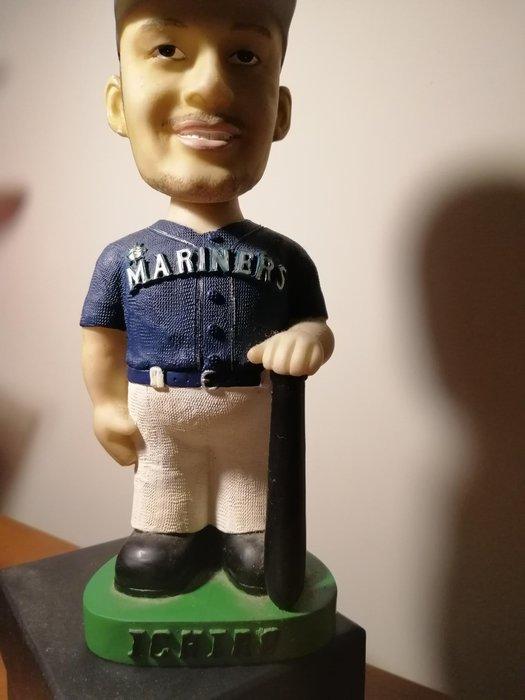 鈴木一朗,Ichiro,,搖頭公仔2001年,水手隊時期。已絕版。有雷射防偽標籤,高約19公分