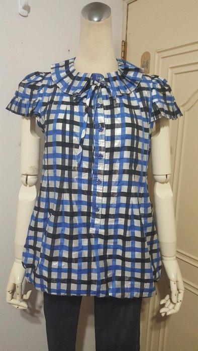 設計師品牌FANG品牌亮澤格紋壓白摺領飾結花苞長上衣#9(適M)*250元直購價*