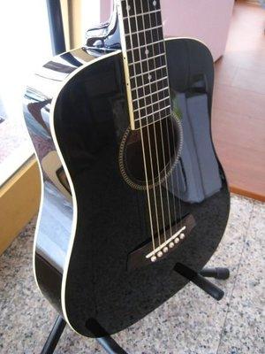 木吉他~全新旅行小吉他1980元(黑) 日本最流行最新款鋼琴烤漆 盧廣仲代言