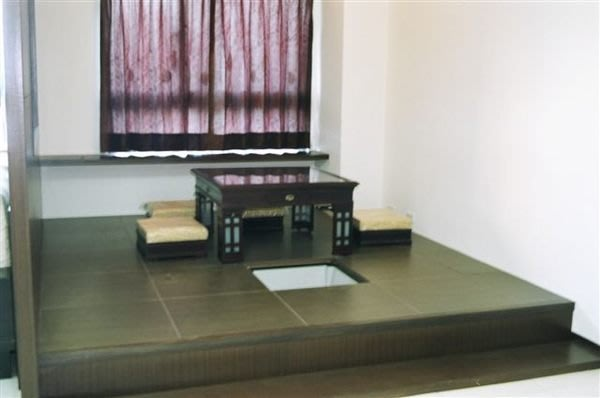 室內裝潢收納之唯一好幫手-DIY魔術空間收納木地板--(非實木地板.海島地板)-組合