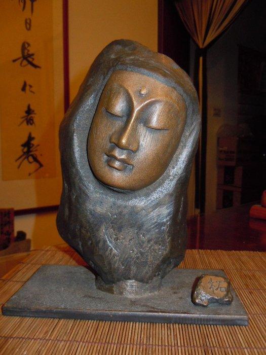 台灣師藝 龍紋石漆創作石雕  沉思觀音  極稀有創作.特價免議