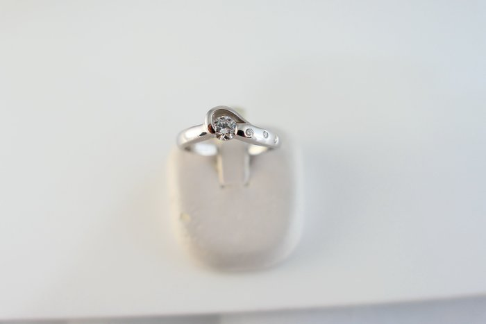 [吉宏精品交流中心]26分 天然鑽石 白k金 造型 八心八箭 戒指