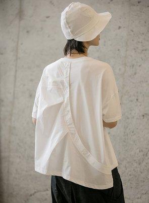 好棒棒衣舍_港風簡約中性後背併接襯衫紐扣設計寬鬆T恤上衣_都會時尚感