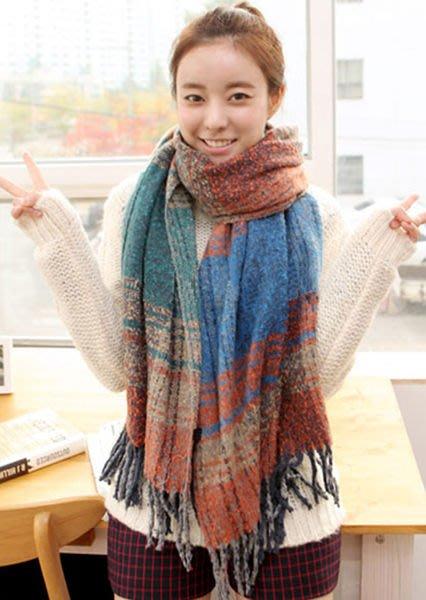 七夕小舖 銷售A1306--雪國暖心冬織.溫暖手感混色格紋毛料流蘇圍巾--披肩iphone