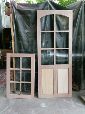 CNC木材加工雕刻裸件門板(穀倉門模型代工PU木工ZAKKA招牌門牌看板告示工業工藝室內設計屏風裝潢木工隔間牆立體字
