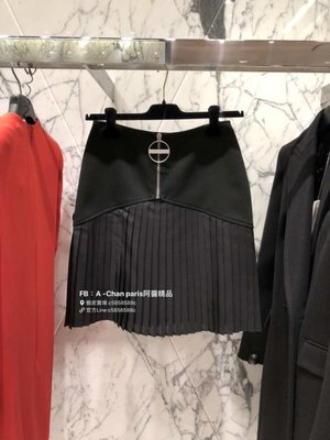 ~阿醬精品~巴黎直送 Givenchy 黑純色真絲半身裙。超值優惠原價32800元,只有一席15000元,對折以下,尋美人兒