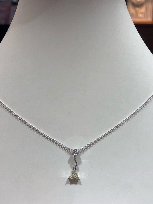 40分天然彩鑽鑽石項鍊,三角型花式車工獨特款式,不用怕撞鍊,加送14K金鍊,超值優惠價25000